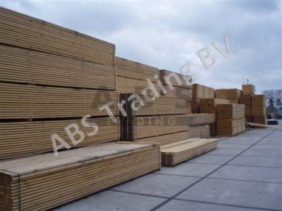 Steigerplanken 5 meter nieuw met kram ( prijs op aanvraag )